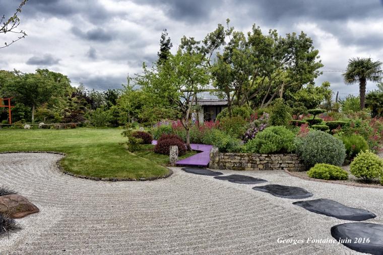 Le jardin où l'on s'attarde Saint Romain de Benet 4 juin 2016uu